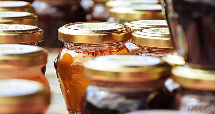 Med s příměsí